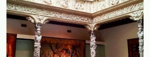 Ibercaja - Patio de la Infanta is one of Museos y salas de Exposiciones de Zaragoza.