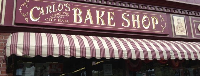 Carlo's Bake Shop is one of Lieux sauvegardés par Lizzie.