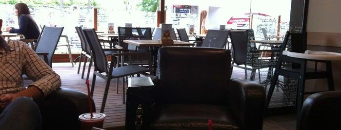 Caribou Coffee is one of sevdiğim ,gitttiğim cafeler ve barlar.