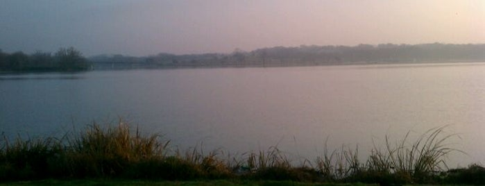 White Rock Lake is one of Must See Places in Dallas.