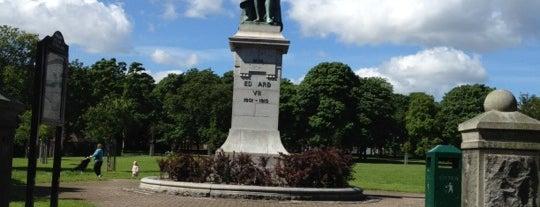 Victoria Park is one of Posti che sono piaciuti a Helen.