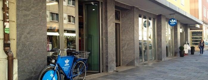 ADIDAS originals Store is one of สถานที่ที่ Antti ถูกใจ.