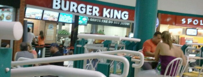 Burger King is one of Orte, die Estela gefallen.