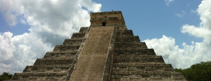 Pirámide de Kukulcán is one of CrystttalitoFest.
