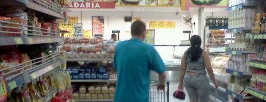 Supermercado Paraná Matriz is one of สถานที่ที่ Livya ถูกใจ.