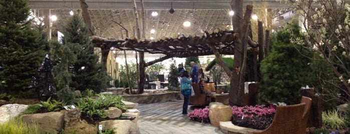 Chicago Flower And Garden Show is one of Ohio House Motel.