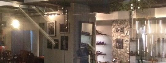 Original Shoes is one of สถานที่ที่ Alexander ถูกใจ.