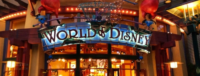 World of Disney is one of Ricardo'nun Beğendiği Mekanlar.