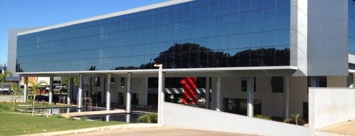 Centro Empresarial Parque Brasília is one of Orte, die Vinicius gefallen.