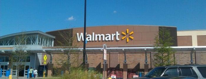Walmart Supercenter is one of Tempat yang Disukai Merilee.