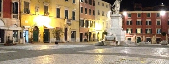 Piazza Alberica is one of #InvasioniDigitali in Toscana 2013.
