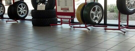 Discount Tire is one of Lieux qui ont plu à Alex.