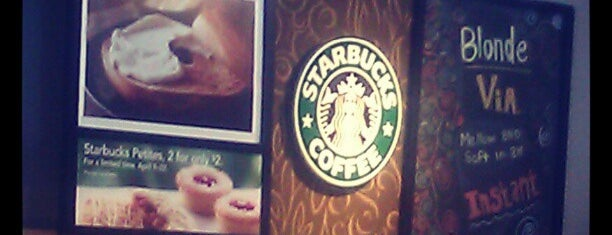 Starbucks is one of Lugares favoritos de Denise D..