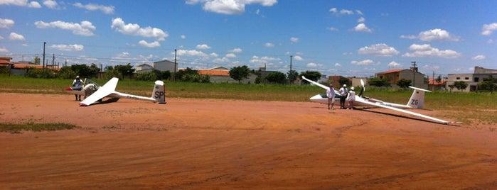 Aeroclube de Rio Claro - Aeroporto Adhemar de Barros is one of Orte, die Fabio gefallen.
