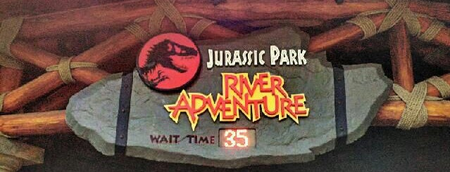 Jurassic Park River Adventure is one of Lugares favoritos de Fernando.