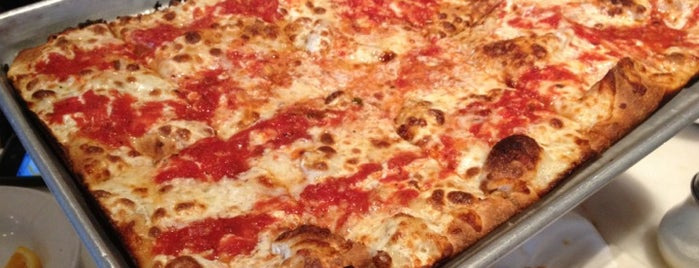 Harry's Italian Pizza Bar is one of Fidi.