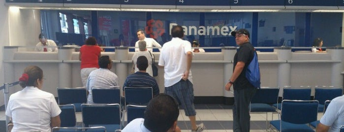 Banamex is one of Lugares favoritos de Andrés.
