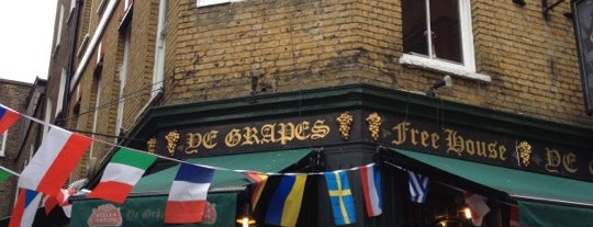 Ye Grapes is one of London's Best Pubs (voted by Londonist readers).