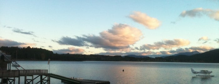 Lake Te Anau is one of Locais curtidos por Alan.