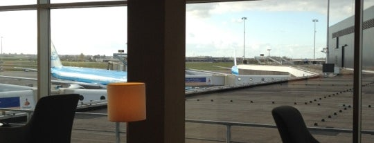 KLM Crown Lounge 52 (Intercontinental) is one of Airports and hotels I have known.