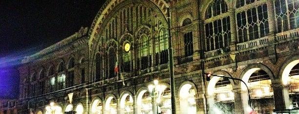Stazione Torino Porta Nuova is one of สถานที่ที่ Hamilton ถูกใจ.