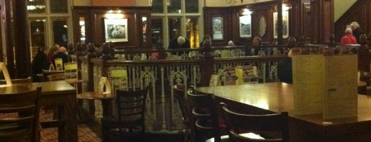 The Lord Rosebery (Wetherspoon) is one of Posti che sono piaciuti a Carl.