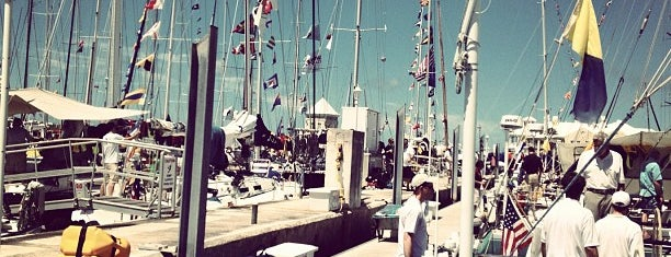Royal Bermuda Yacht Club is one of Lugares favoritos de Swen.