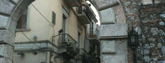 Porta Messina is one of Grand Tour de Sicilia.