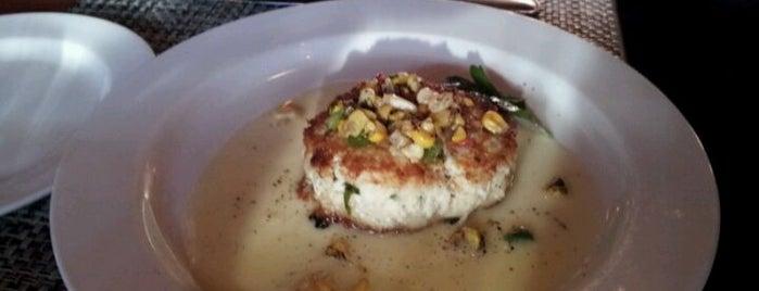 McCormick & Schmick's Seafood & Steak is one of Kiesha's Must-visit Foods in Detroit Metro.
