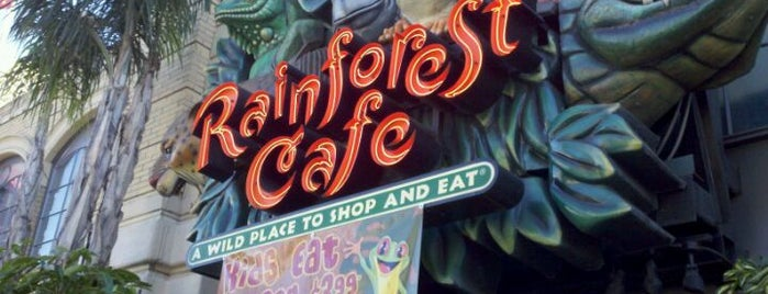 Rainforest Cafe is one of Comer.