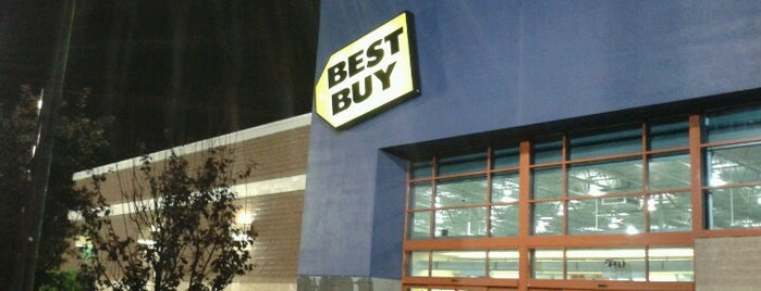 Best Buy is one of Lieux qui ont plu à Kaili.