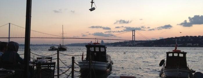 Çengelköy İskele Restaurant is one of İstanbul Meyhaneleri.