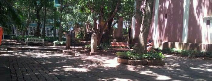 Solar dos Câmara is one of สถานที่ที่ Gabriel ถูกใจ.