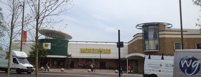 Morrisons is one of Lieux qui ont plu à Barry.