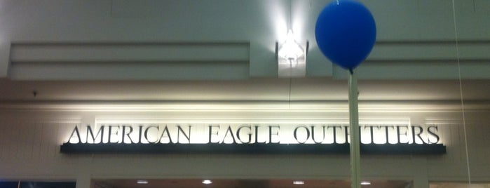 American Eagle Outfitters is one of 2012 Student Choice winners.