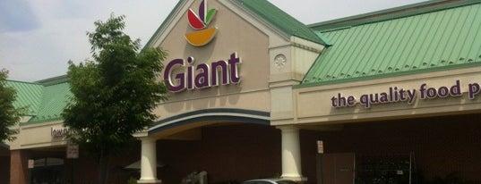 Giant Food is one of Tempat yang Disukai Dawn.