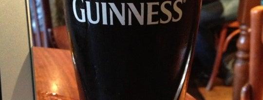 Big Ben Pub is one of Restos.
