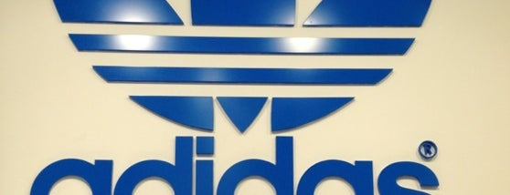 adidas is one of Orte, die Pablo gefallen.