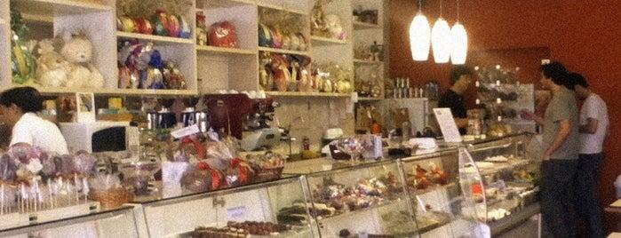 Chocolates Liverpool is one of Posti che sono piaciuti a Kemel.