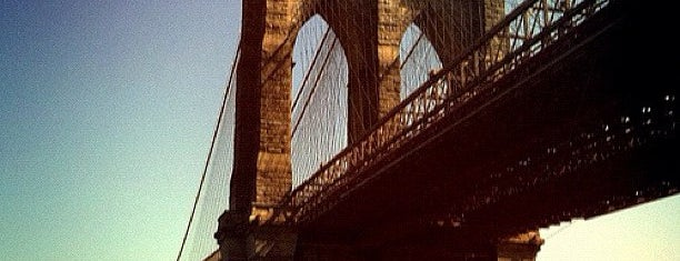 Puente de Brooklyn is one of Architecture - Great architectural experiences NYC.