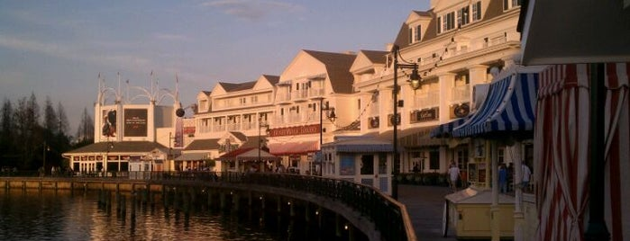 Disney's BoardWalk is one of Tempat yang Disukai Henrique.