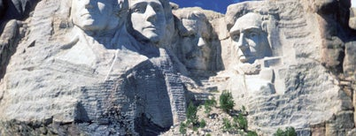 Mount Rushmore National Memorial is one of BB / Bucket List.