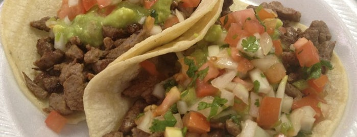 Los Favoritos Taco Shop is one of Scottsdale.