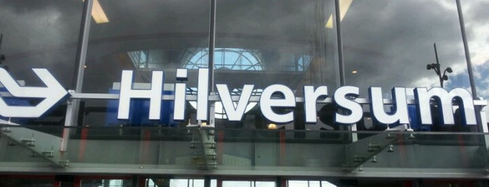 Station Hilversum is one of Hilcersum.