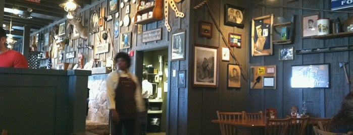 Cracker Barrel Old Country Store is one of PHX Bfast/Brunch in The Valley.