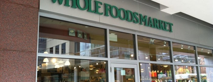 Whole Foods Market is one of Locais curtidos por Katherine.