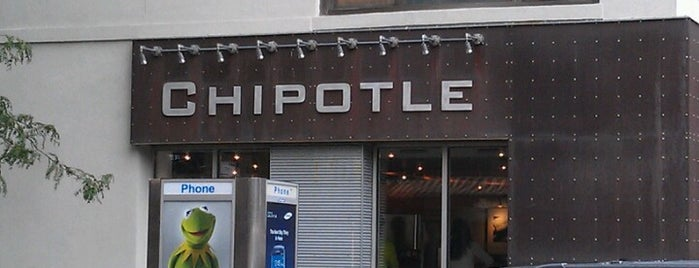 Chipotle Mexican Grill is one of Lugares favoritos de Alberto J S.