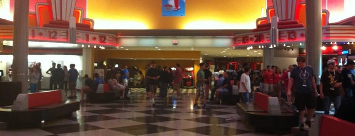 AMC Loews Liberty Tree Mall 20 is one of Posti che sono piaciuti a Andrew.