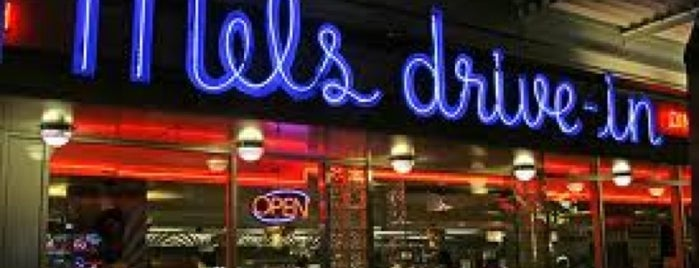 Mel's Drive-In is one of Lugares favoritos de Terence.