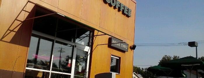 Starbucks is one of Lieux qui ont plu à T.